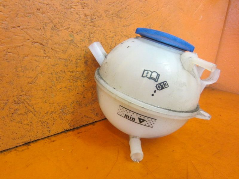 Behälter Kühlwasser AusgleichsbehälterVW GOLF VI (5K1) 1.2 TSI